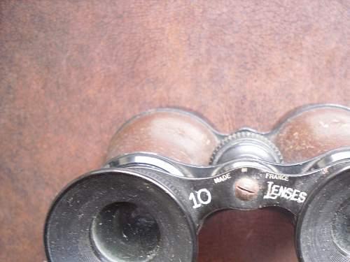 can anyone identify these binoculars