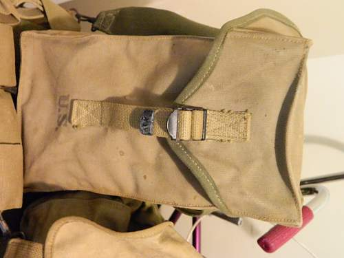 need help with a WWII multi purpose ammo bag