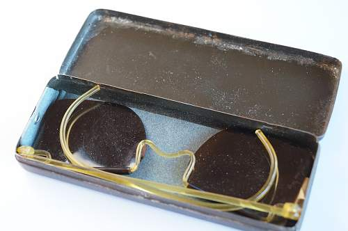 Inquiry about supposed WW2 sunglasses