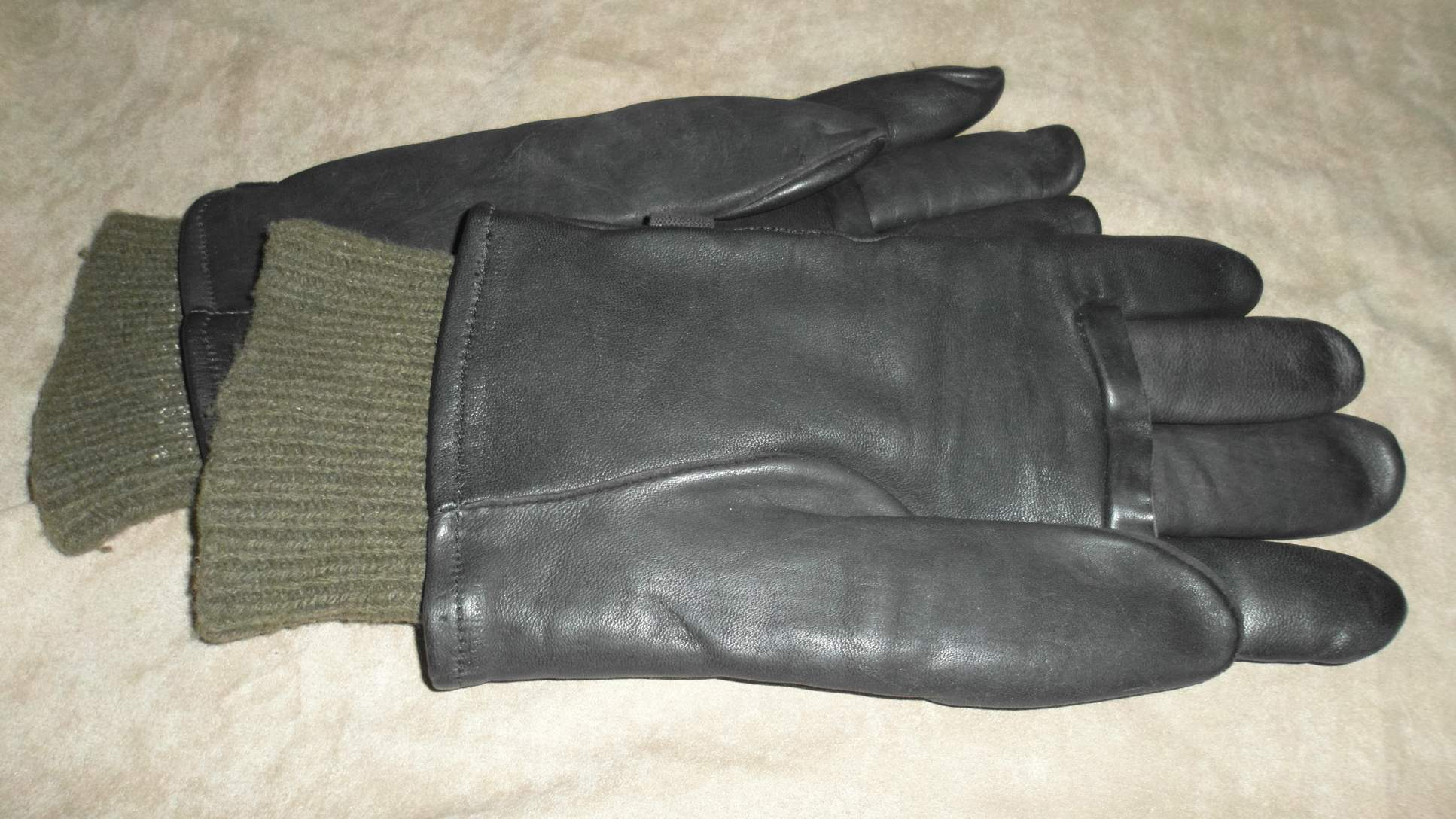 Need help! Anyone know if these leather gloves are military   c38d76eadbc
