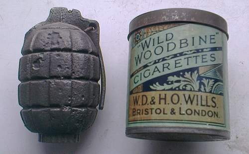"WW2 ""Naafi"" Cigarette issue tin"