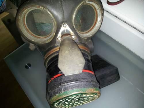 Another good Day-British civilian Duty Respirator