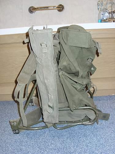 Unknow 1970s british radio backpack