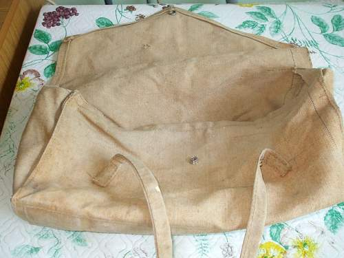 Identification of theses British Bags belongign to my Grandfather.