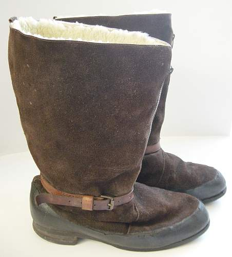 Click image for larger version.  Name:RAF 1941 pattern flying boots..jpg Views:2193 Size:202.6 KB ID:59000