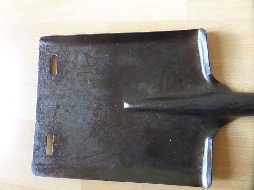 Can anyone ID this British army shovel