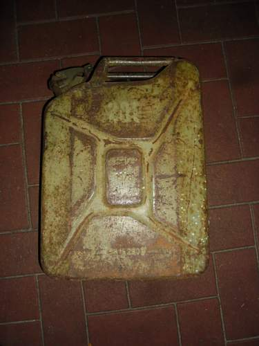 Jerry can Military ?