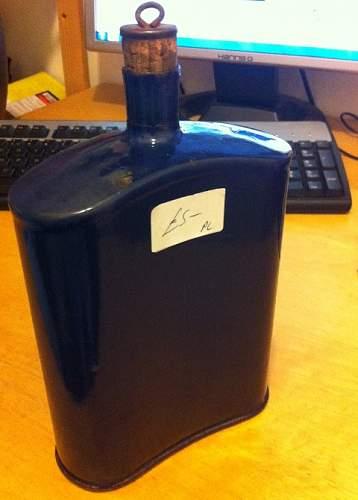 Distinguishing Cobalt Blue Mk VI and Mk VII Water-Bottles