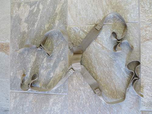 Is this the carrying straps for a Bren gun tripod?