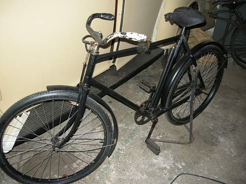 Click image for larger version.  Name:Papers and folding bike 006.jpg Views:1089 Size:245.6 KB ID:71792