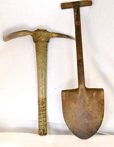 US Shovel & pick