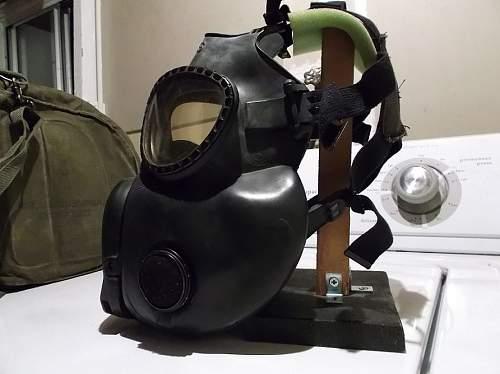 US vietnam gas-mask