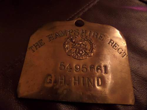 2x The Hampshire Regt Bed plates