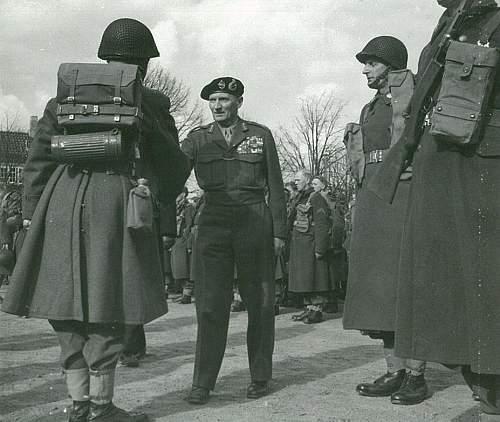 Click image for larger version.  Name:Montgomery hilser på en delingsfører fra LG i Sandholmlejren, 6. april 1951..jpg Views:497 Size:101.9 KB ID:797932