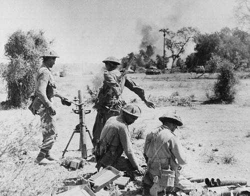 Click image for larger version.  Name:An Indian 3-inch mortar platoon supporting Sherman tanks, Burma, 1944..jpg Views:151 Size:104.6 KB ID:833346