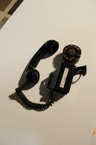 Canadian Army Phone ?