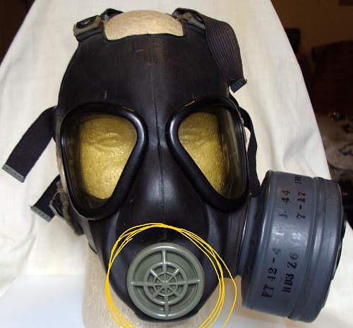 Searcing for a US gas mask part!
