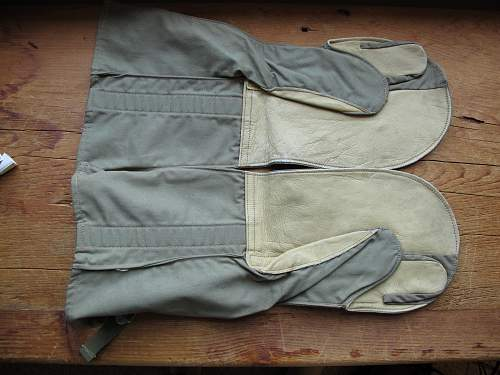 US Navy Wool Lined Mittens & Light Wait Crisp almost mint UAAF Crew Members Gloves