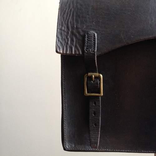 Leather briefcase embossed ' Carr Q.F 18 PR. MK IV & IVR ' -  WW1/WW2/INTERWAR