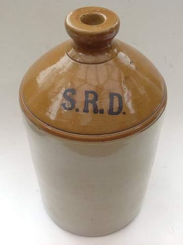 Click image for larger version.  Name:SRD Rum ration stoneware jar.jpg Views:78 Size:146.5 KB ID:947691