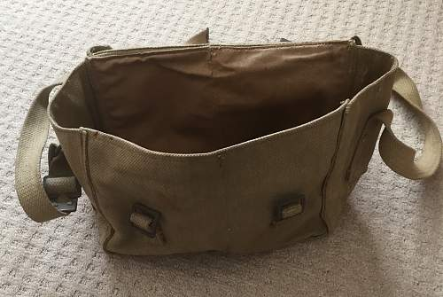 British small pack / pouch - does anybody know what it is?