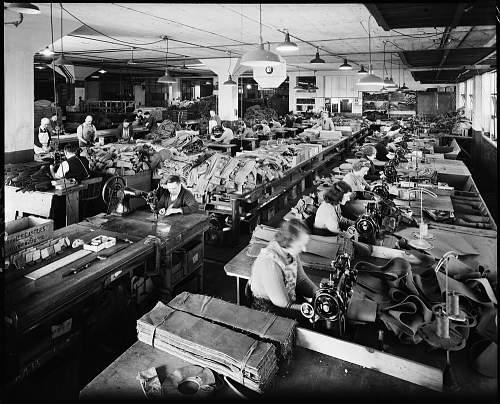 Click image for larger version.  Name:Ruskin Motor Bodies Ltd. factory interior at Dudley Street, West Melbourne.jpg Views:44 Size:274.8 KB ID:971969