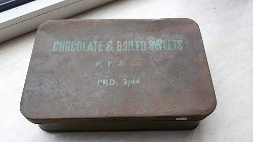 11/43 dated british chocolate & boiled sweets tin