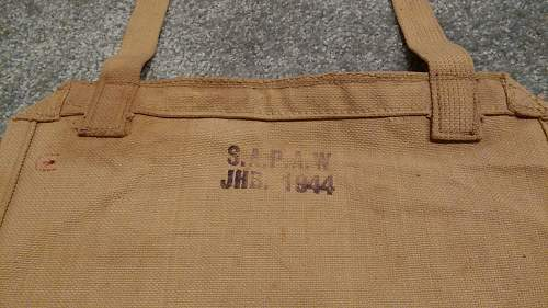 Click image for larger version.  Name:33 South African Large Pack made by SAPAW in 1944.jpg Views:75 Size:352.9 KB ID:984420