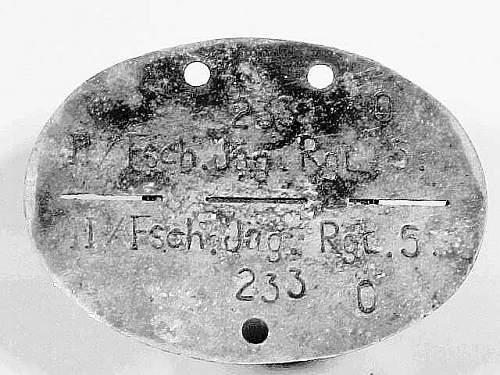 Click image for larger version.  Name:Fake Fallschirmjäger Erkennungsmarke2.JPG Views:195 Size:38.6 KB ID:85649