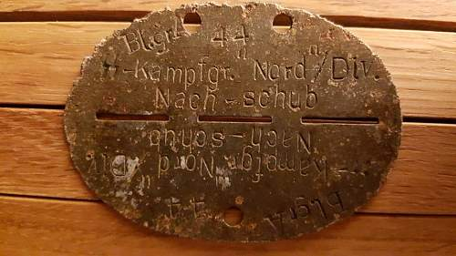 Waffen-SS Dogtag. I need some help to determine this one :)