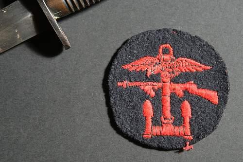 Third Pattern Fairbairn-Sykes Fighting Knife, B2 stamped