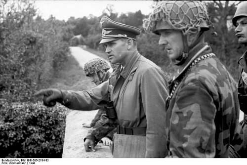 Click image for larger version.  Name:Bundesarchiv, Frankreich, Normandie, Fallschirmjäger..jpg Views:231 Size:57.7 KB ID:895877