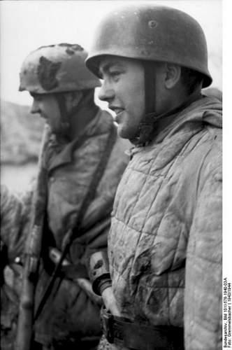 Click image for larger version.  Name:Bundesarchiv_Bild_101I-578-1940-03A,_Bei_Monte_Cassino,_deutsche_Fallschirmjager.jpg Views:329 Size:68.8 KB ID:895943