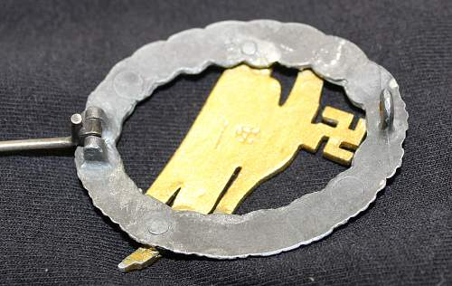Assmann Fallschirmschützenabzeichen der Luftwaffe help please!