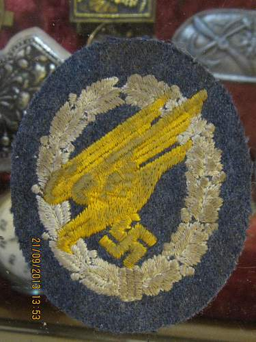 FJ cloth badge found in Crete!