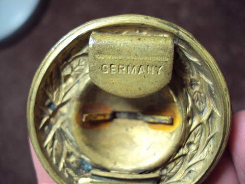 German Belt Buckle Musicians ??