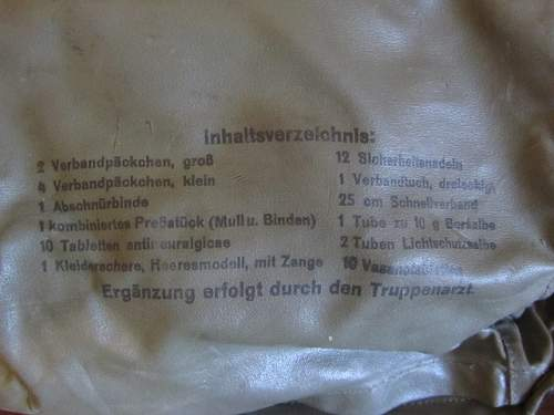Click image for larger version.  Name:First aid pouches 002 (640x480).jpg Views:23 Size:179.8 KB ID:1003700