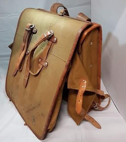 Click image for larger version.  Name:german ww2 square framed backpack(1).jpg Views:73 Size:113.1 KB ID:1008080