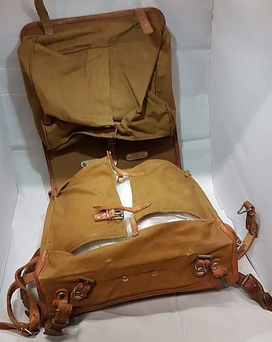 Click image for larger version.  Name:german ww2 square framed backpack opened(1).jpg Views:70 Size:101.1 KB ID:1008081