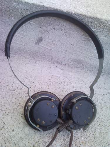 HELP!!German WW2 radio headphones