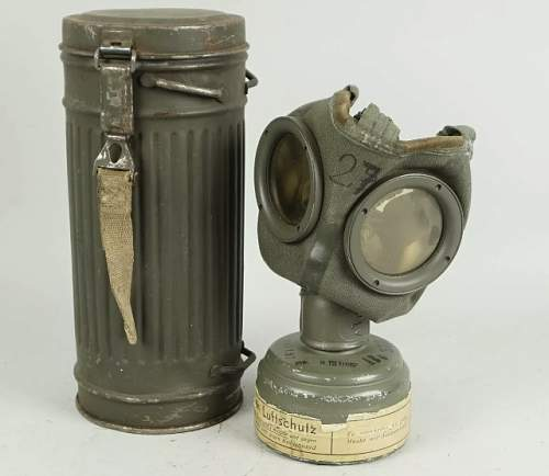 German gas canister. Is the paint original?