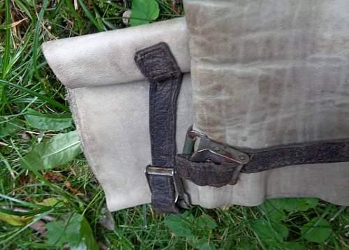Couple of new items - Luftwaffe gloves, czech gas mask filter
