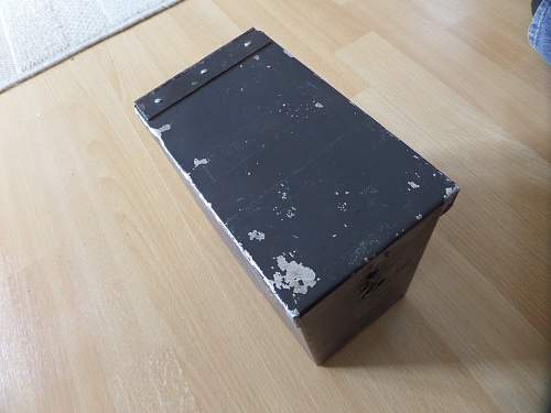 Help needed with the ID of this German box