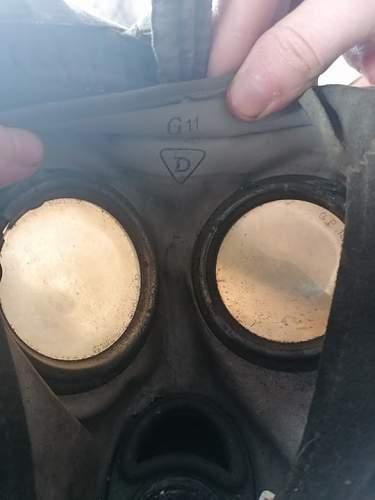 help idendtifying german gas mask