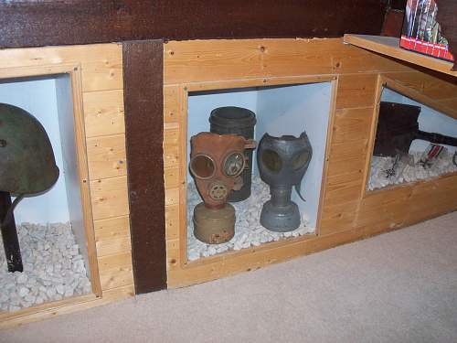 Ww2 german gas mask & canister?