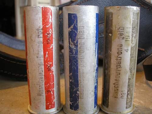 german ww2? or repro flare/smoke box