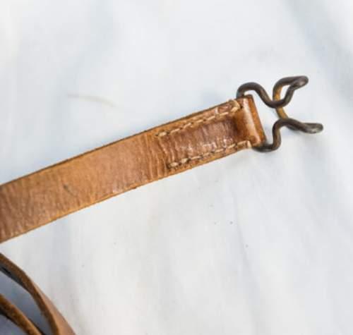 Genuine late war Y-straps?