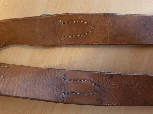 Genuine late war Y-straps?