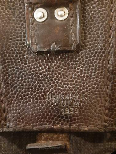 2x 1939 Ammo pouches and 1x 1940 Medical Pouch  Info please
