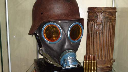 Opinion about German Gas Mask & Cannister
